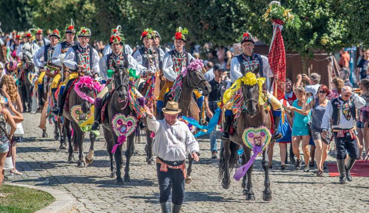 FOLKLORNÍ DRBNA: Ornamenty, UNESCO, Slovácký rok. Jaký byl folklorní rok 2019?