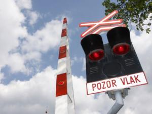 AKTUÁLNĚ: V Bílovicích nad Svitavou srazil vlak člověka. Zasahovat musí i vrtulník
