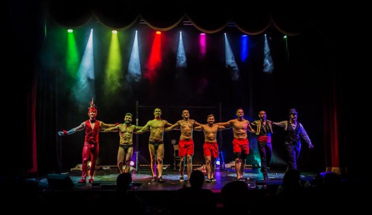 TIPY NA VÍKEND: Cirkus v Cabaretu, svatební show, retropárty na Flédě, Foodpark a Ondřej Havelka