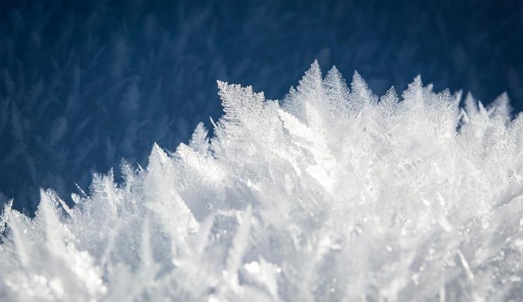 POČASÍ NA SOBOTU: První den víkendu přinese ve většině kraje sněžení a teploty okolo nuly
