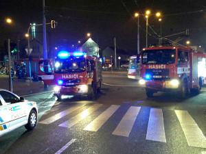 VIDEO: Hasiči včera vyjížděli hned ke dvěma požárům po Brně, oheň si vyžádal lidský život