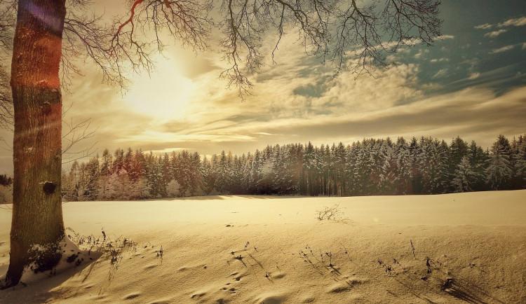 POČASÍ NA STŘEDU: Teploty se vyšplhají i na pět stupňů, na severu přijdou sněhové přeháňky