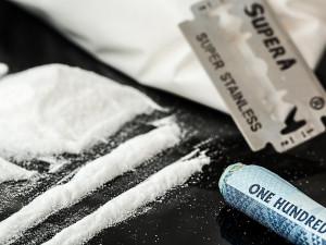 Muž z Brna si objednal gram kokainu přes internet. Místo pošťáka k němu dorazili policisté