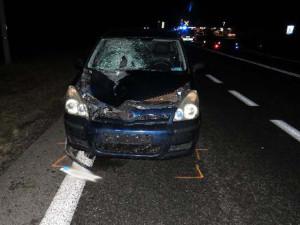 Mezi Brnem a Mikulovem včera večer srazil řidič chodce v tmavém oděvu, na místě zemřel