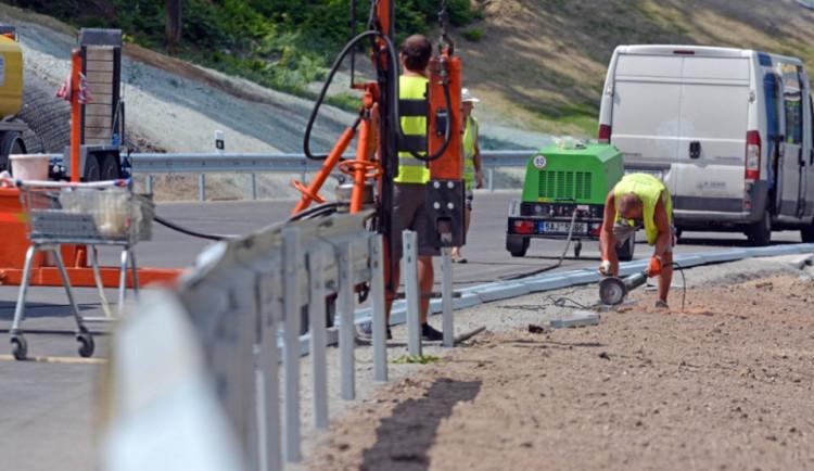 Na údržbu a stavby silnic v Jihomoravském kraji letos padne víc než miliarda