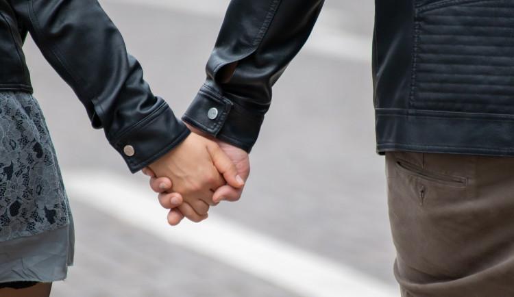 Netradiční Valentýn? FN Brno obdaruje zamilované páry při odběru
