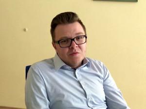 Policisté podezřívají Jiřího Faltýnka z braní úplatků, napsal server Aktuálně.cz