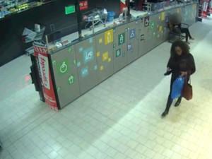 FOTO/VIDEO: Policie pátrá po ženě, která ve Slatině srazila chodkyni