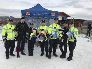 Na sjezdovku v Olešnici přijeli dohlížet policisté. Pro malé i velké lyžaře přivezli soutěže a cenné rady