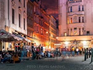 TIPY NA TÝDEN: Fashion Designer Show Brno, Extrem Food Night, Maniak, Loopers a barmanská soutěž
