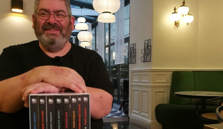 Slavný světový autor sci-fi literatury Ben Aaronovitch se chystá napsat knížku z prostředí Brna
