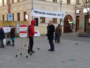 FOTO: Procházíte změnou klimatu. Hnutí Extinction Rebellion upozorňuje na České na klimatickou změnu