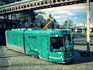 FOTO/VIDEO: Dopravní podnik představil novou šalinu. Na konci března začne Brno křižovat první drak