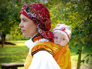 FOLKLORNÍ DRBNA: Co všechno unese tradiční kroj?
