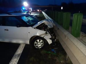 Na výpadovce směrem na Svitavy se dnes ráno střetla dvě auta. Řidiči skončili v nemocnici