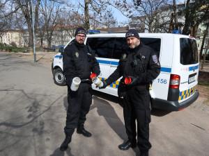 Brněnští strážníci letos šestým rokem vyrazili na Akci Jehla, z ulic odstranili 250 stříkaček