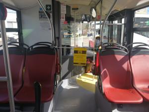 První dveře autobusů a trolejbusů vBrně zůstanou kvůli ochraně řidičů zavřené. Cestující se k řidiči nedostanou