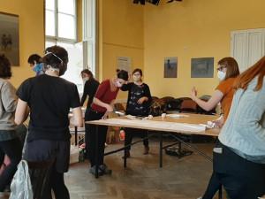 Studentští dobrovolníci chtějí místo sezení doma pomáhat druhým