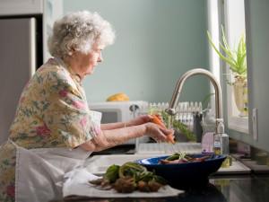 Projekt Nákup babičce pomůže seniorům v Jihomoravském kraji se zásobením potravinami