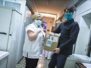 Akce Energie lékařům slaví úspěch, lidé balíčky se svačinami pro lékaře vykoupili během čtyřiceti hodin