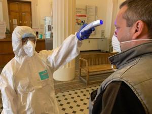 Ve Fakultní nemocnici se nakazil jeden zaměstnanec koronavirem