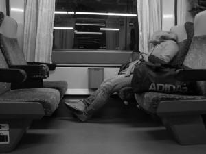 Na jižní Moravě přestaly jezdit některé víkendové večerní vlaky