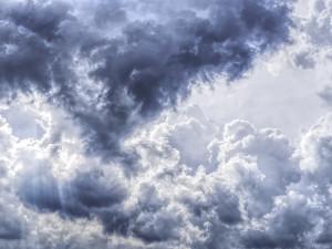 POČASÍ NA ÚTERÝ: Obloha bude zatažená, místy může i sněžit