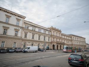 V Brně zemřela první pacientka s koronavirem