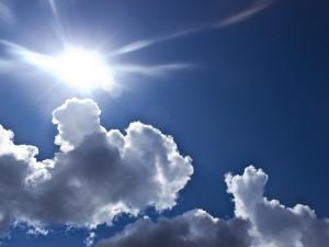 POČASÍ NA STŘEDU: Bude svítit sluníčko, ráno ale hrozí náledí