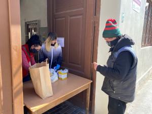 VIDEO: Brno staví kontaktní centra pro bezdomovce, zabrání rychlému šíření koronaviru v komunitě