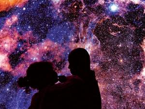 Pozvěte si vesmír do obýváku! Zavřená brněnská hvězdárna funguje i nadále skrze živá vysílání a další akce
