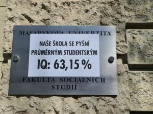 Brněnští aktivisté Slušní lidé se pokusili zesměšnit Fakultu sociálních studií. Nyní jsou sami terčem vtipů