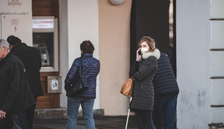 Soud zrušil čtyři opatření omezující volný pohyb a maloobchod