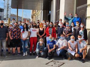 Dobrovolníci rozvezli brněnským seniorům dvacet tisíc obědů. Odměnou jim byl hlavně vděk a úsměvy, nyní se vrací ke své běžné práci