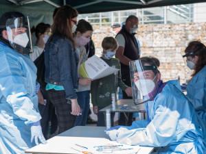 Nemocnice Znojmo ode dneška nabízí testování veřejnosti na koronavirus. Člověk za test zaplatí necelé tři tisíce