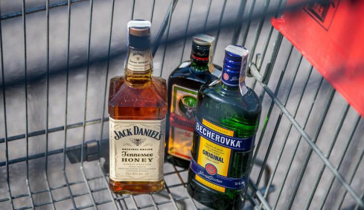 Místo klidu pronásledování. Brněnský policista chytil ve volnu zloděje alkoholu na útěku