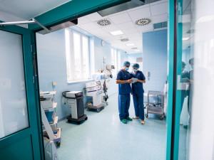 Ve svatoanenské nemocnici v Brně zemřel pacient s nemocí covid-19