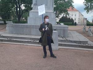 Aktivisté ze spolku Společně Brno se vydali do Denisových sadů,  chtějí odpovědi na otázky okolo koronavirových opatření