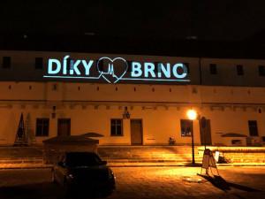 Promítání na Špilberku, filharmonie na Zelném trhu. Město chce kampaní poděkovat lidem za dodržování pravidel