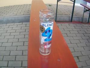 Čtrnáctiletá dívka v Brně vypila sama flašku vodky, nedokázala ani kráčet po svých