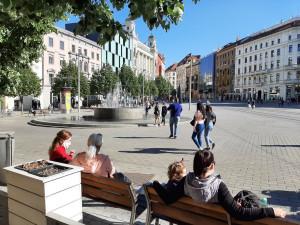 Město chce znovu oživit veřejný prostor, zmírní protialkoholovou vyhlášku a podpoří umělce