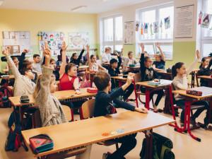 Návrat prvního stupně na základní školy bude komplikovaný, shodují se ředitelé