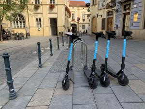 Brno chce společně s Prahou regulovat sdílené elektrokoloběžky