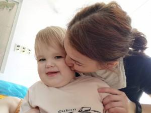Pátý měsíc vnemocnici. Malá Beátka z Brna se potýká sevzácnou metabolickou poruchou