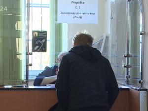 Otevírají další pracoviště magistrátu a rozšiřují se úřední hodiny, úředníci doporučují objednat se předem