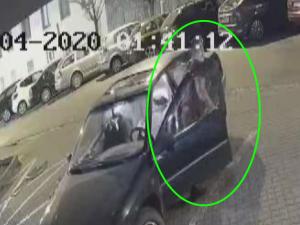 VIDEO: Zloděj se pokusil ukrást bourací kladivo, pátrají po něm policisté