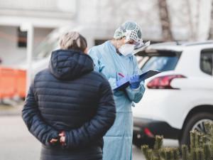 Brněnští vědci zkoumají koronavirus a potřebují dobrovolníky, kteří se vyléčili z nemoci covid-19