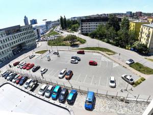 Na Polní vyroste do července 2021 parkovací dům pro 110 aut