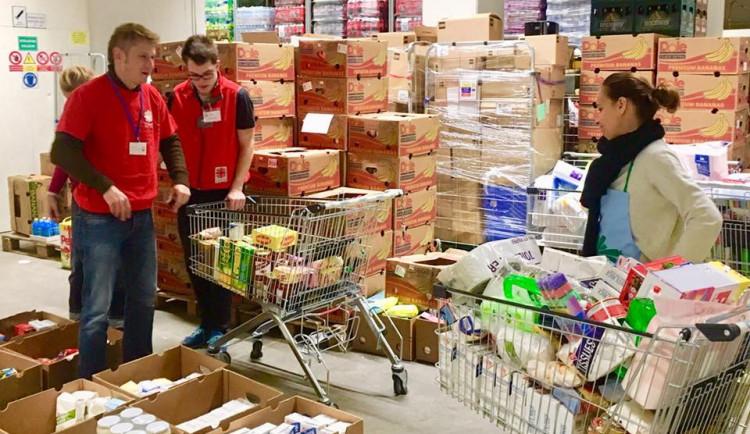 V Blansku na charitu vybrali už skoro tunu potravin