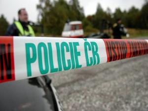 Mrtvého motorkáře u silnice na Znojemsku našli náhodou, v křoví ležel několik dnů